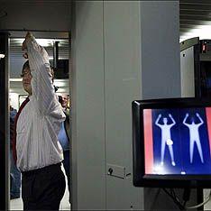 Новость на WellNews: Американец прилетел в Европу с бомбой