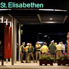Женщина устроила расстрел в больнице