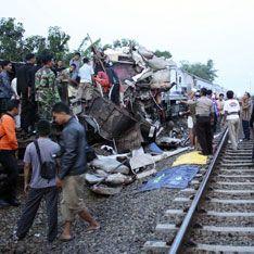 Столкновение поездов унесло жизни 44 человек