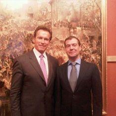 Медведев предложил Шварценеггеру стать мэром Москвы