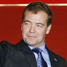 Медведев согласился погостить у НАТО
