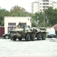 Боевики приехали к парламенту на такси
