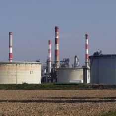 Французские нефтехранилища отбил спецназ