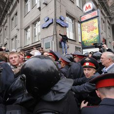 Поругавшаяся оппозиция расплодила митинги