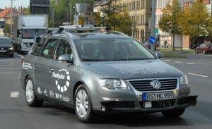 Автомобили Google способны обойтись без водителя