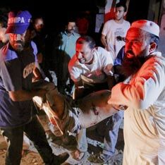 Террористы атаковали центр Карачи