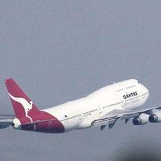 Очередной самолет Qantas экстренно сел в Австралии