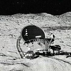 Россия посадит корабль на лунный полюс