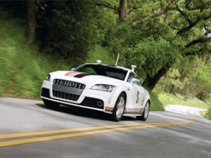 Купе Audi TT-S поднялось на Pikes Peak без помощи водителя