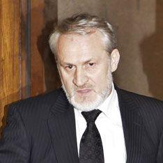 Польша требует арестовать Закаева