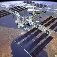 Космонавты застряли на МКС из-за поломки