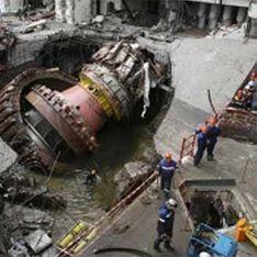 На Саяно-Шушенской ГЭС рабочие упали в 16-метровую шахту