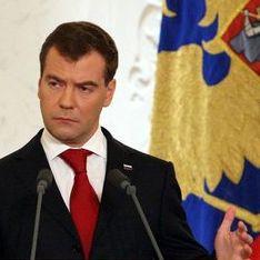 Медведев готовит россиянам сладкую жизнь