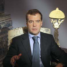 Медведев зачистил Минобороны