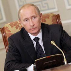 Путин разрешил защищать дипломы онлайн