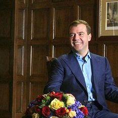 Медведев обсудил с рокерами Петра и Химкинский лес