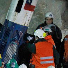 Замурованных шахтеров достают из-под земли с золотом