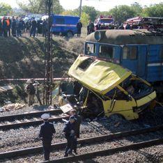 Водителя попавшего под поезд автобуса назвали сектантом