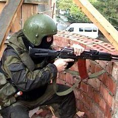 В Дербенте идет перестрелка с боевиками