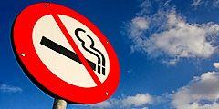 В Польше запретят курение в общественных местах