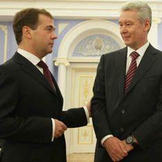 Медведев кинул на Москву человека Путина