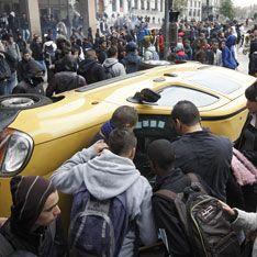 Во Франции молодежь вышла на баррикады