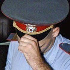Избивший учительницу милиционер задержан за наркотики
