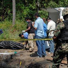 Пропавших туристов нашли в братской могиле