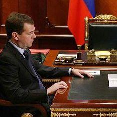 Медведев грозит Кавказу отставками