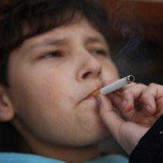 Школьники взбунтовались из-за запрета на курение