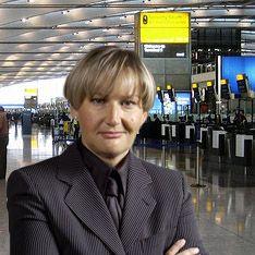 Жену Лужкова задержали в аэропорту