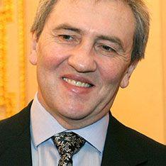 Янукович уволил Черновецкого