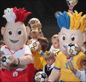 Талисманам Евро-2012 выбрали имена